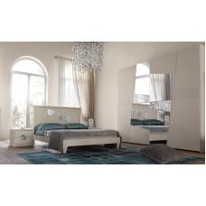 Camera da letto ditta Modo 10, mod. Decor. Colore laccato bianco, poro aperto.